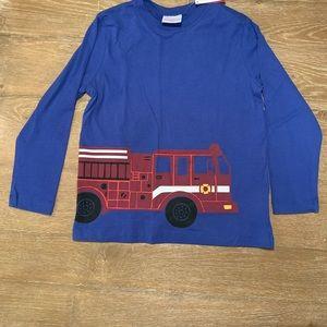Boys Hanna Andersson firetruck shirt sz120 6-7 NWT